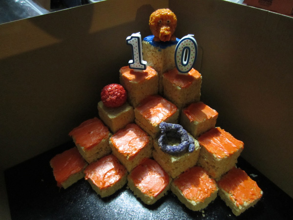 Lorraine's incredible SC3 10th Anniversary rice-krispie-qube Q*bert pyramid!  It was almost too pretty to eat